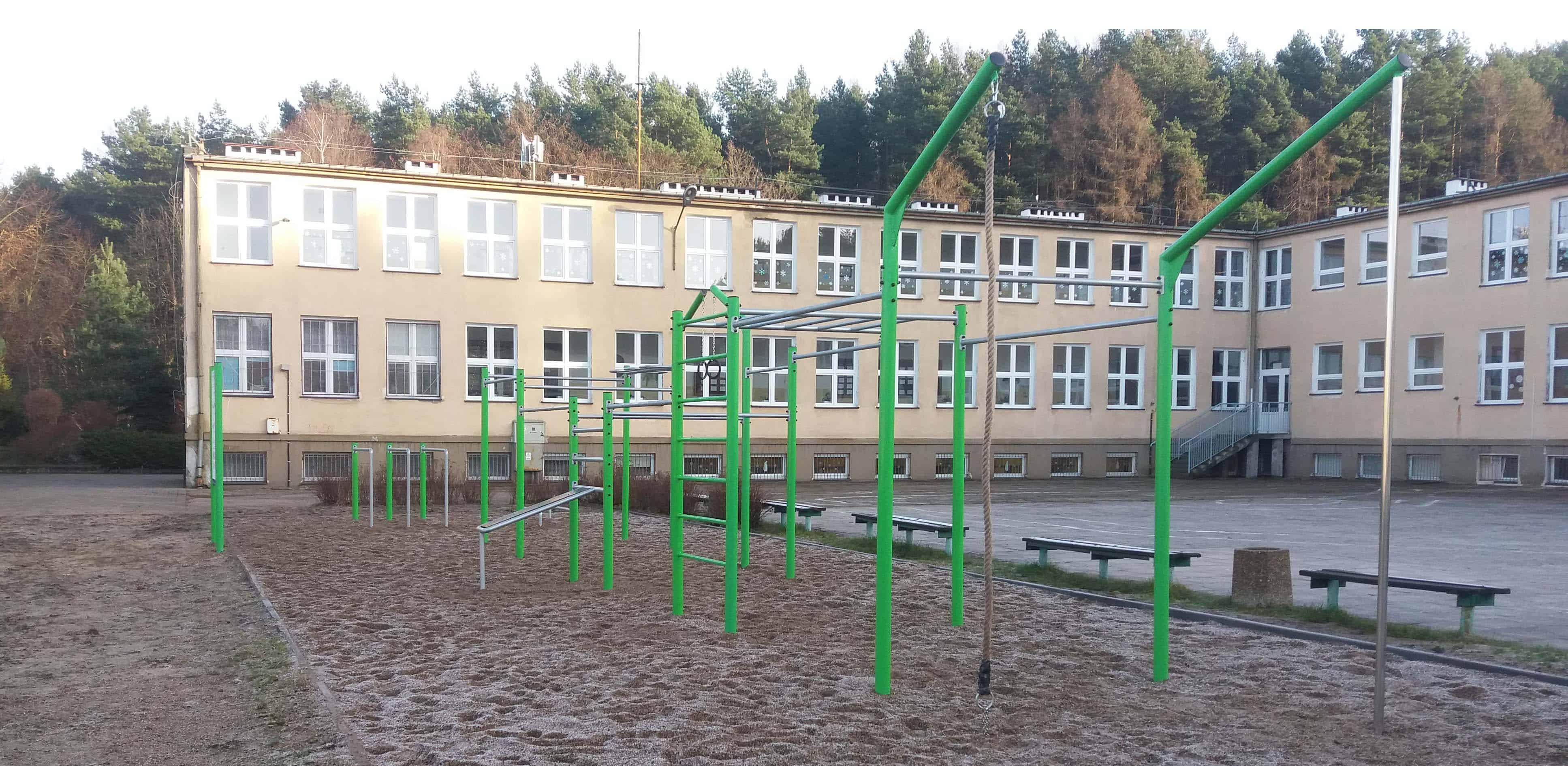 szkoła plac zabaw